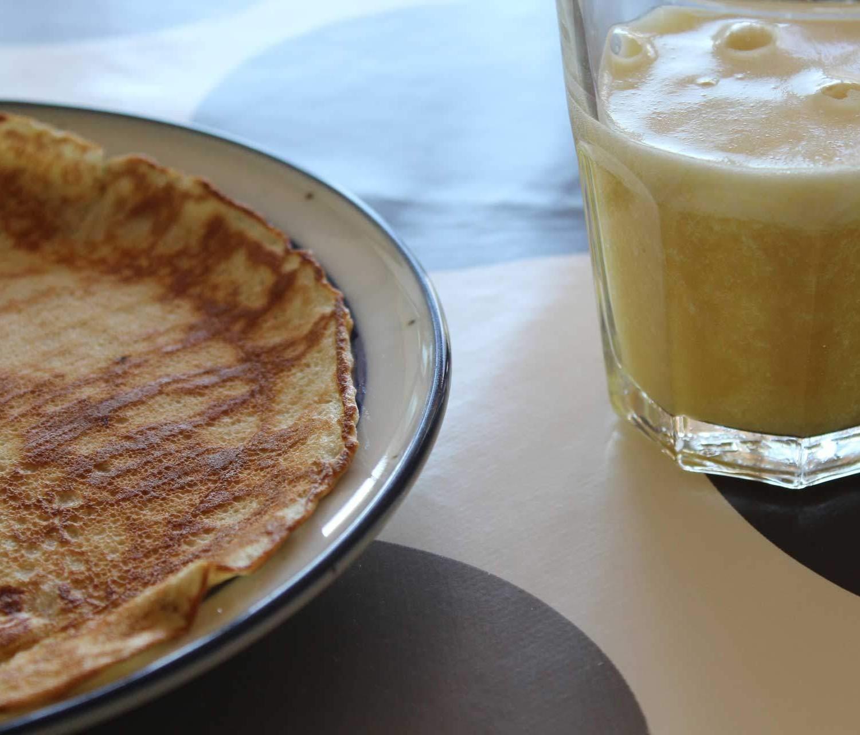 bananpandekage-banan-appelsin-smoothie-1920×1280